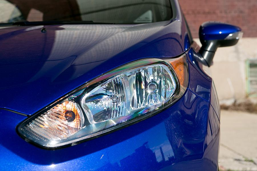 2015 Ford Fiesta Photo 3 of 18