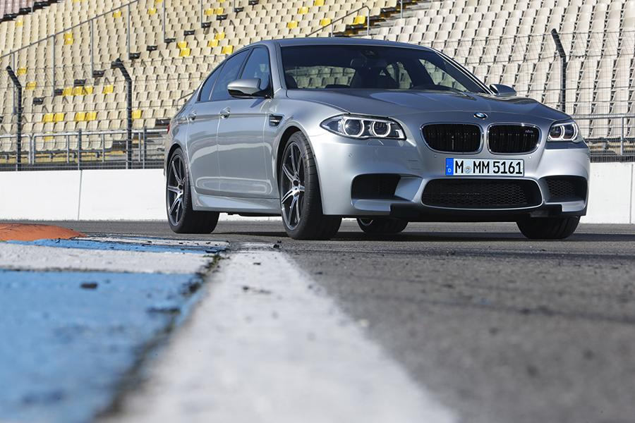 2015 BMW M5 Photo 5 of 7