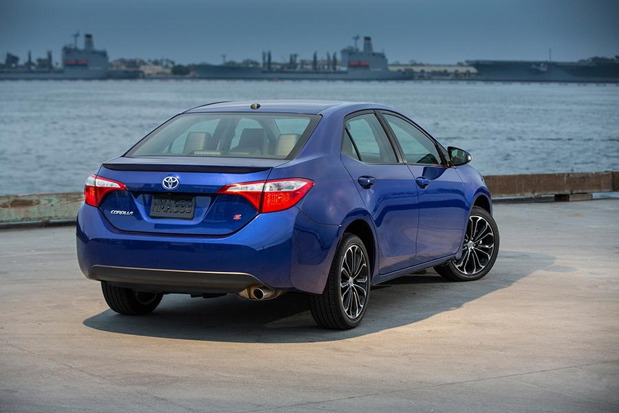 2015 Toyota Corolla Specs Pictures Trims Colors Cars Com