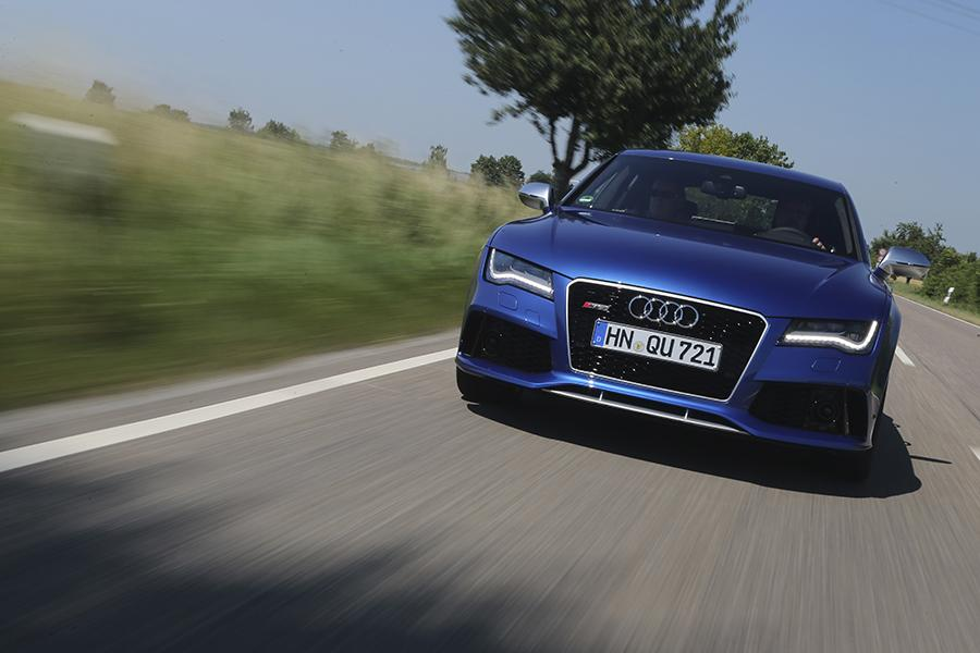 2015 Audi RS 7 Photo 3 of 32
