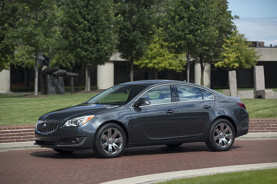2015 Buick Regal Photo 6 of 11