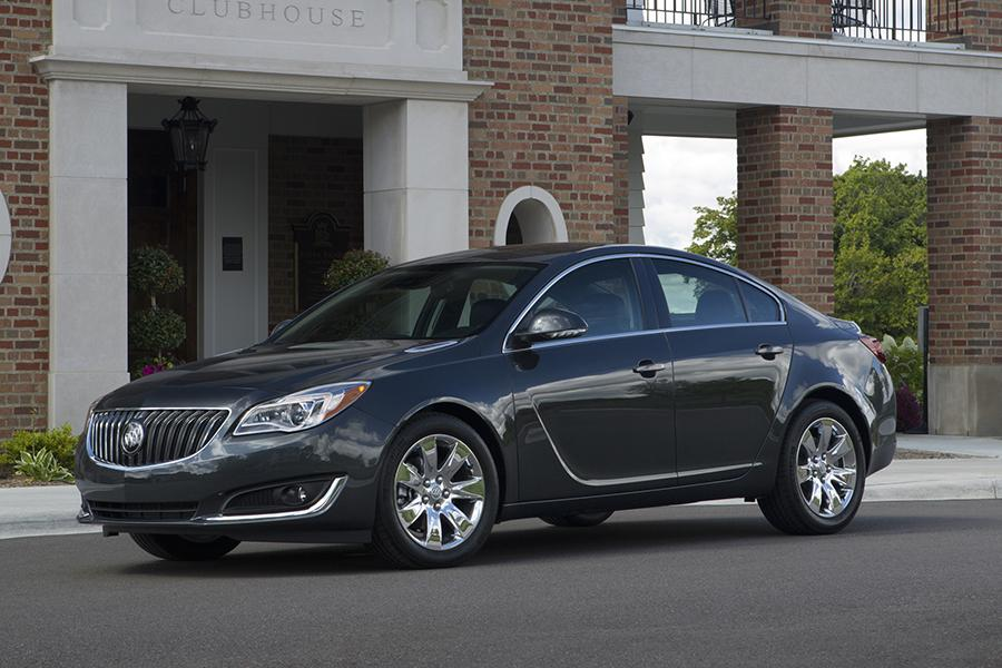 2015 Buick Regal Photo 1 of 11