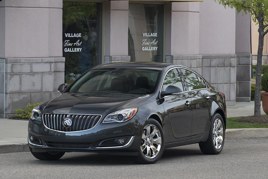 2015 Buick Regal Photo 3 of 11