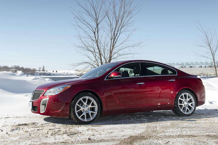 2015 Buick Regal Photo 5 of 11
