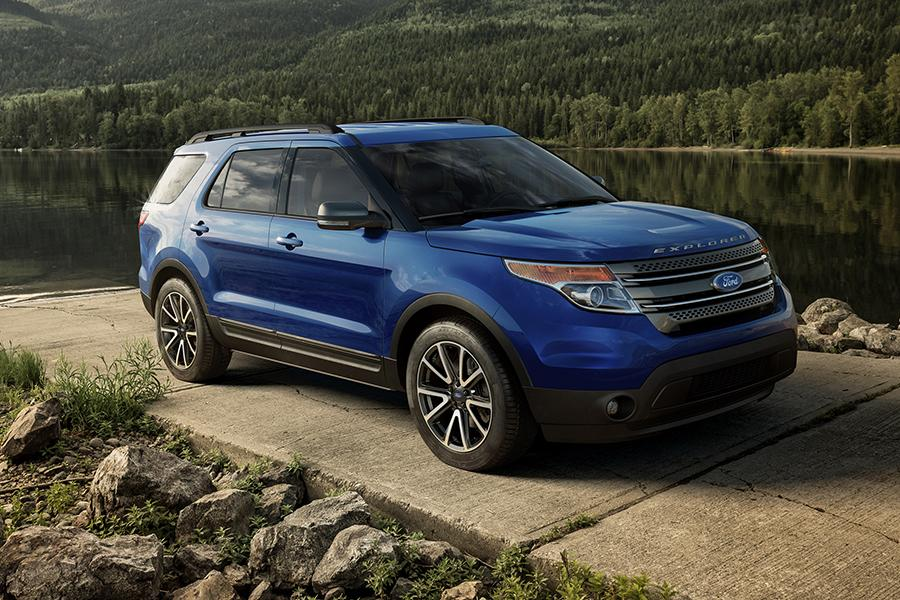 2015 ford explorer reviews specs and prices carscom - Ford Explorer 2015 Trunk Space