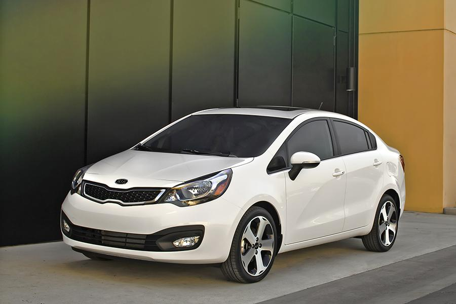 2015 kia rio reviews specs and prices. Black Bedroom Furniture Sets. Home Design Ideas