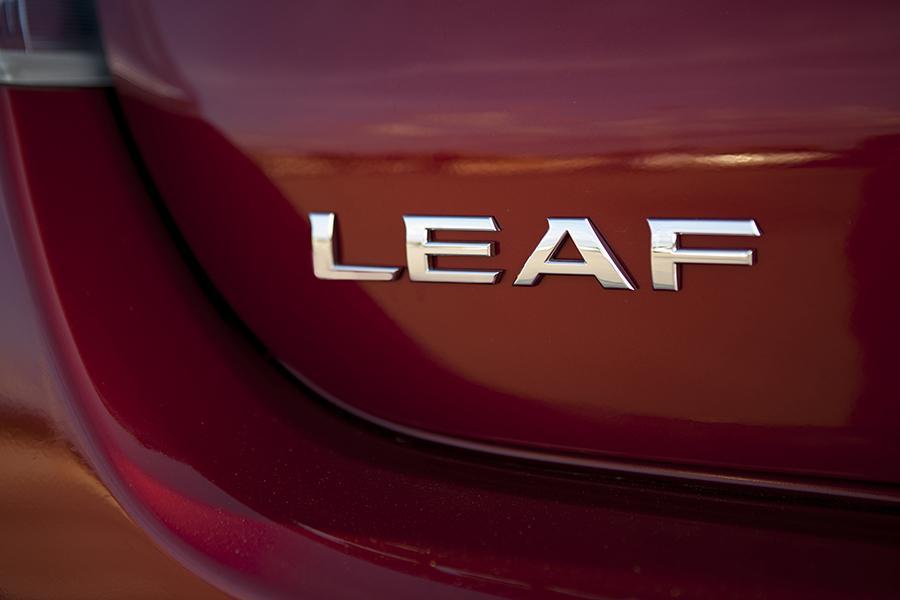 2015 Nissan Leaf Photo 5 of 29