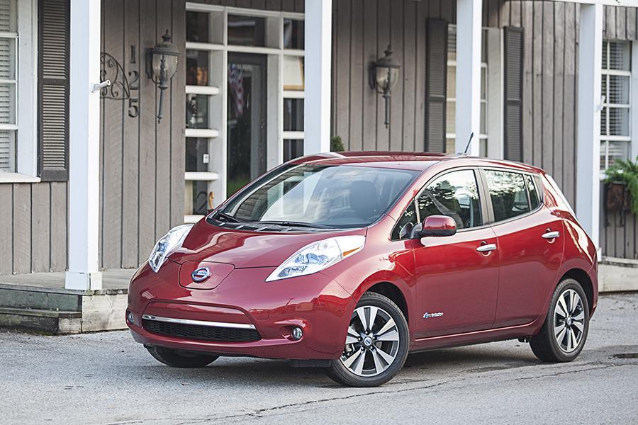 2015 Nissan Leaf Photo 1 of 29
