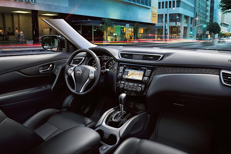 2015 Nissan Rogue Photo 6 of 6