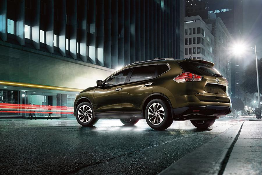 2015 Nissan Rogue Photo 4 of 6