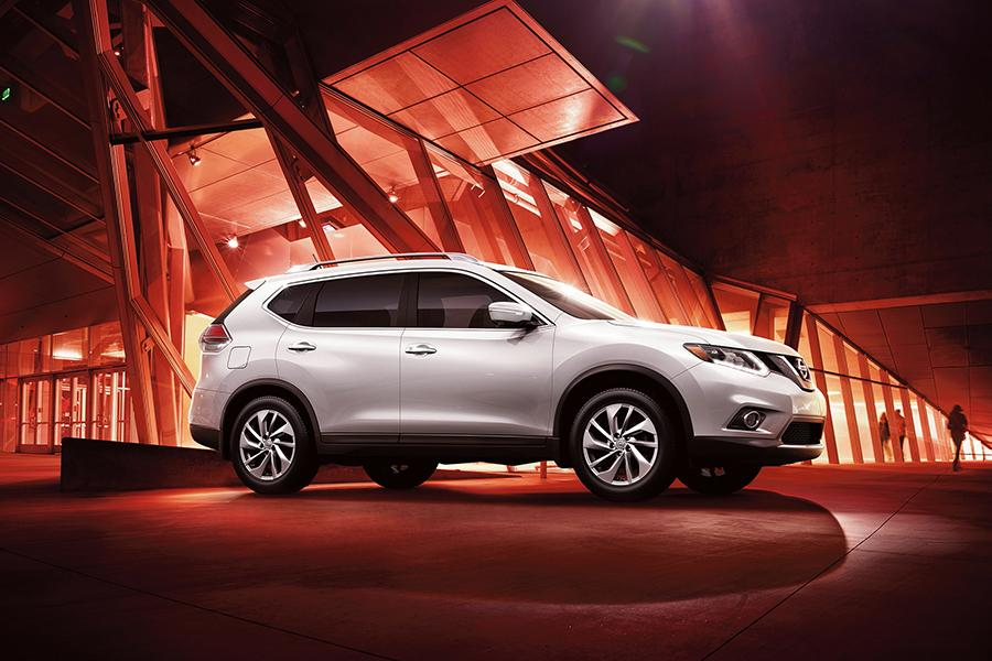2015 Nissan Rogue Photo 5 of 6