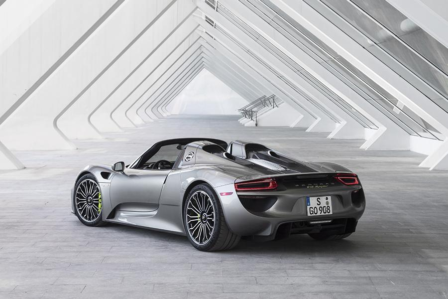 2015 porsche 918 spyder specs pictures trims colors. Black Bedroom Furniture Sets. Home Design Ideas