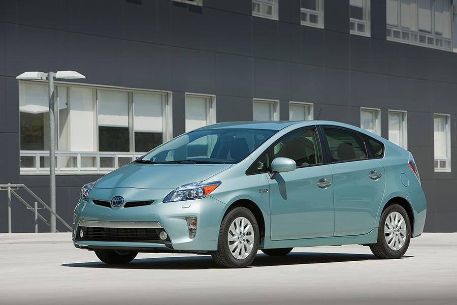 2015 Toyota Prius Plug-in Photo 1 of 14