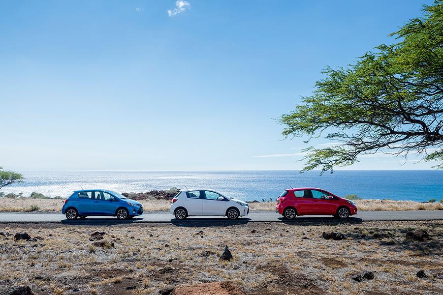 2015 Toyota Yaris Photo 5 of 13