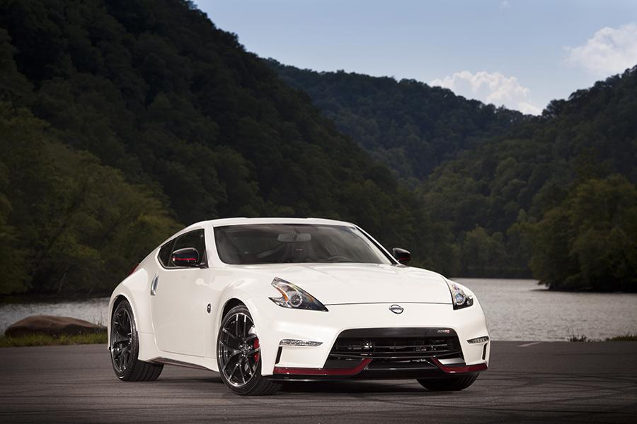 2015 Nissan 370Z Photo 5 of 8