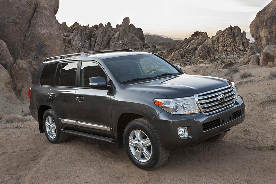 2015 Toyota Land Cruiser Photo 1 of 11