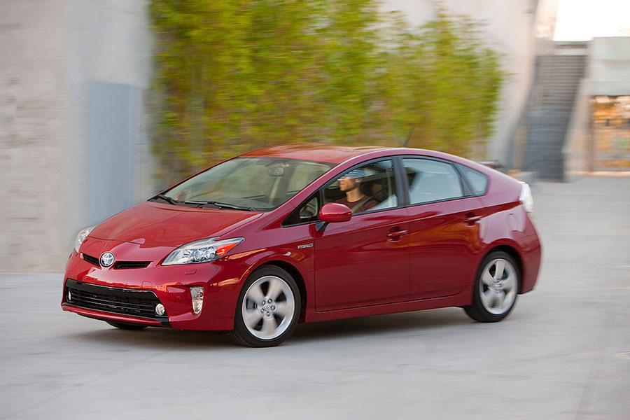 2015 Toyota Prius Photo 4 of 17