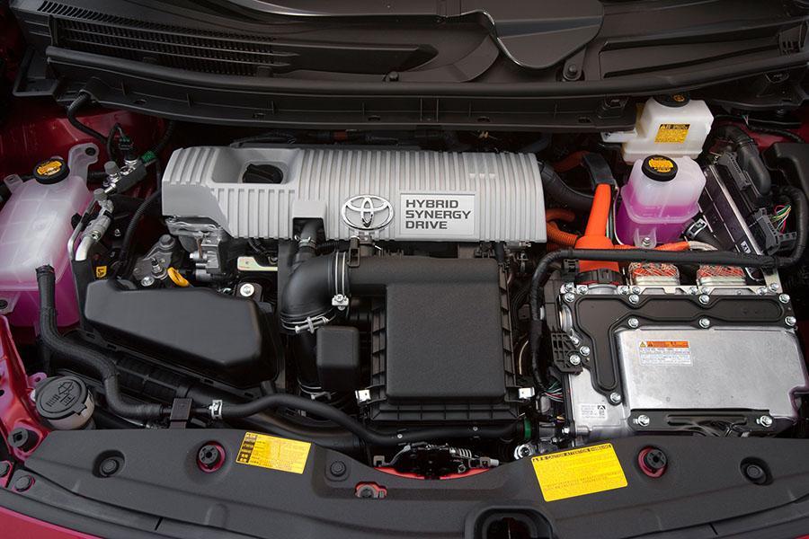 2015 Toyota Prius Photo 5 of 17