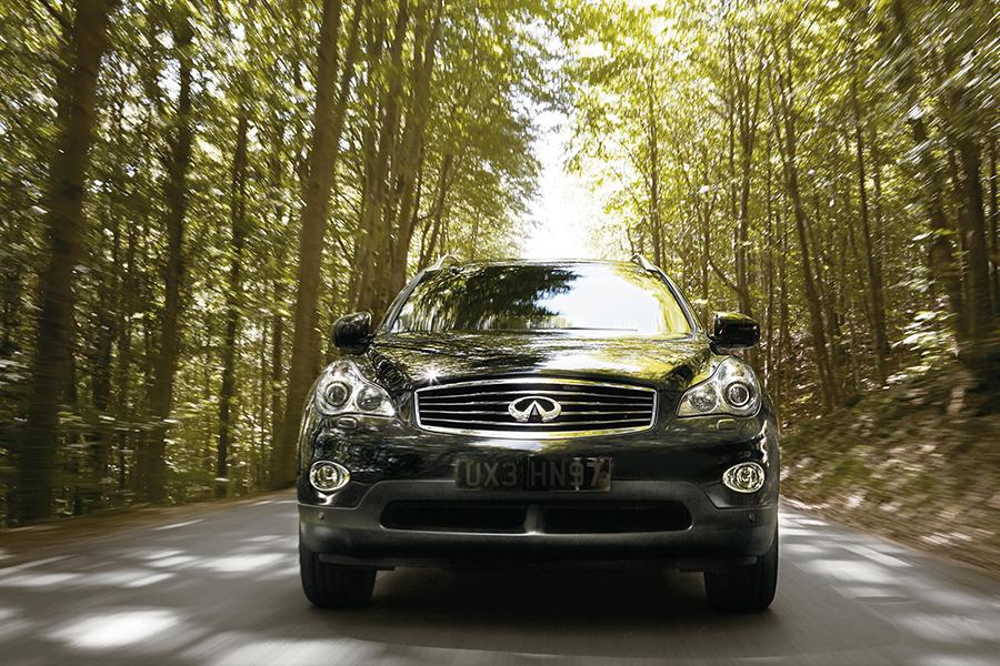 2015 INFINITI QX50 Photo 2 of 4