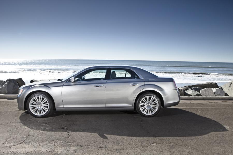 2015 Chrysler 300C Photo 2 of 4