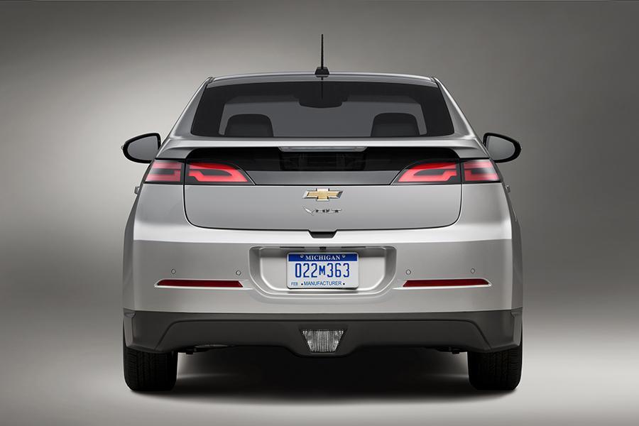 2015 Chevrolet Volt Photo 2 of 8