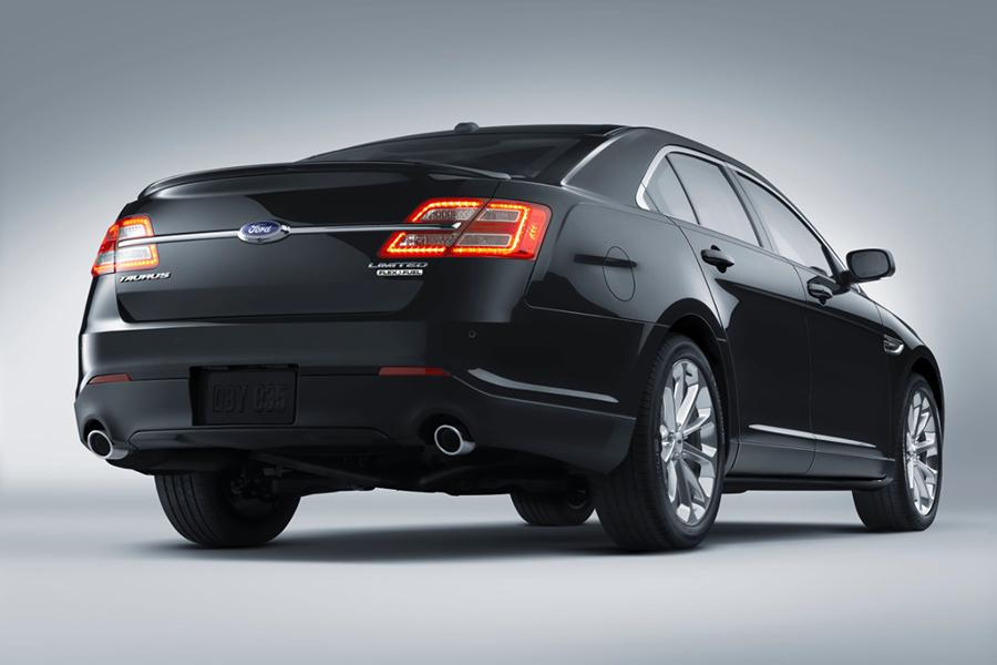 2015 Ford Taurus Photo 2 of 8