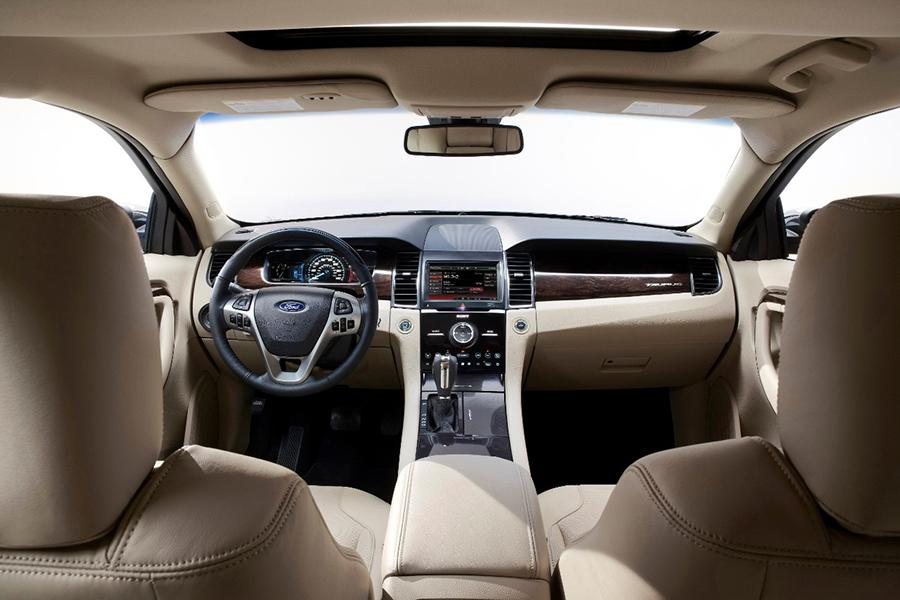 2015 Ford Taurus Photo 5 of 8