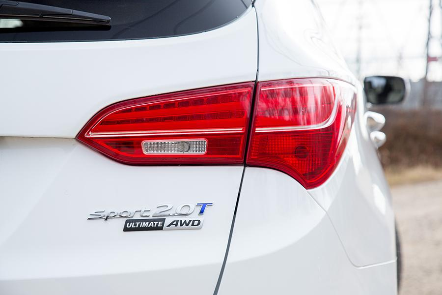 2015 Hyundai Santa Fe Sport Photo 2 of 22