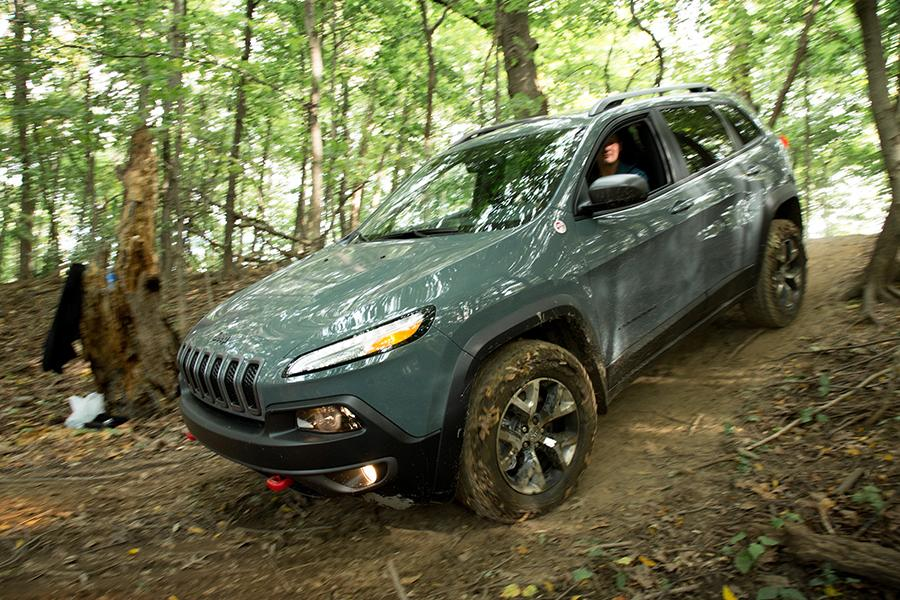 2015 Jeep Cherokee Photo 3 of 15