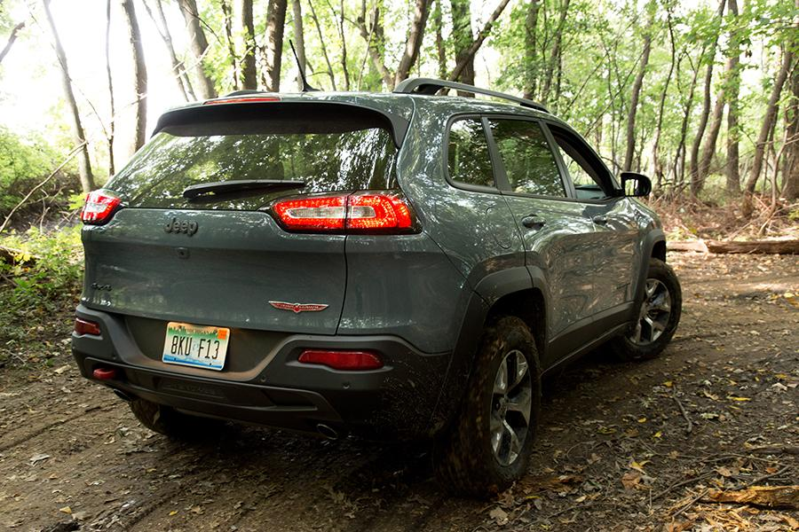 2015 Jeep Cherokee Photo 5 of 15