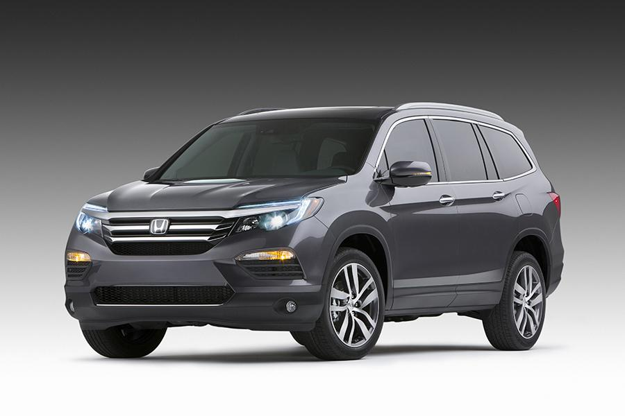2016 Honda Pilot Photo 1 of 24