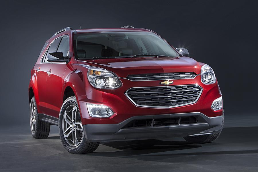 2016 Chevrolet Equinox Photo 2 of 10