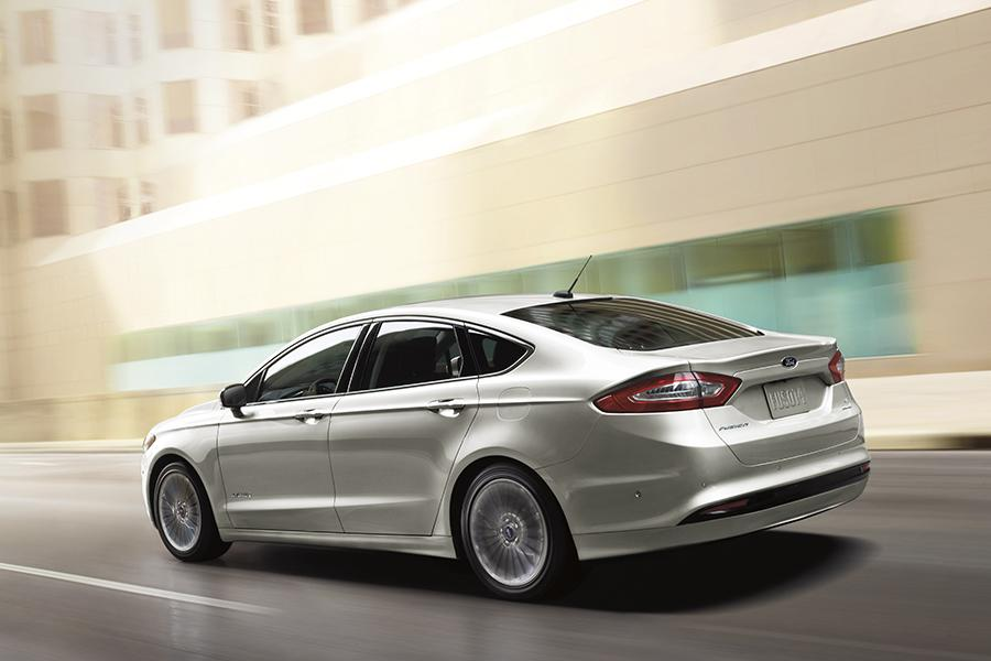2015 Ford Fusion Hybrid Photo 4 of 11