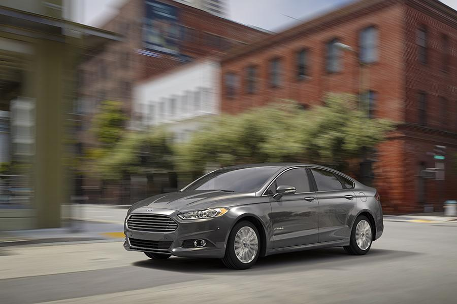 2015 Ford Fusion Hybrid Photo 1 of 11