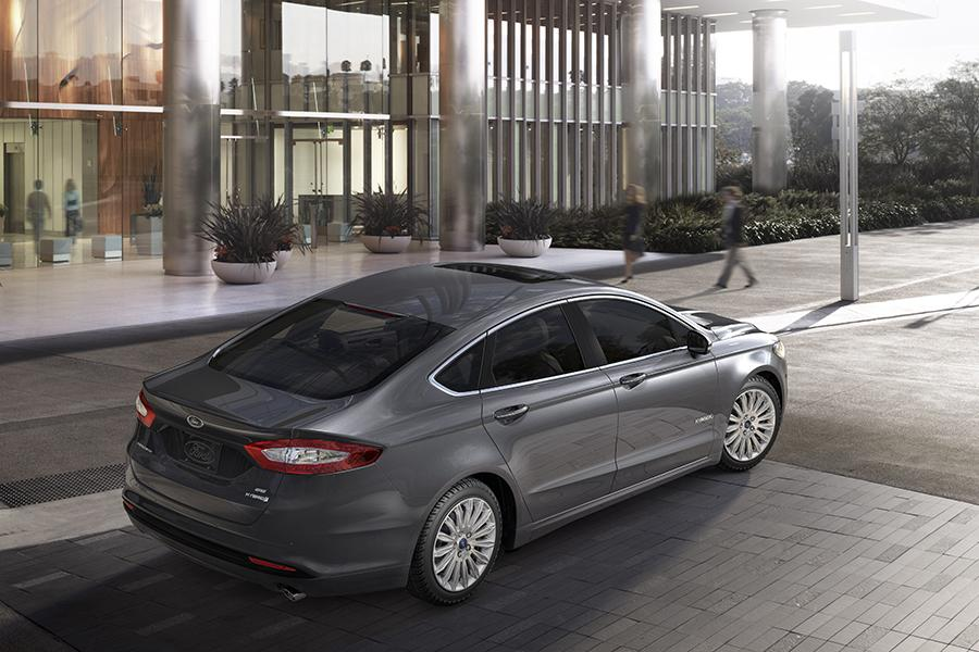 2015 Ford Fusion Hybrid Photo 6 of 11