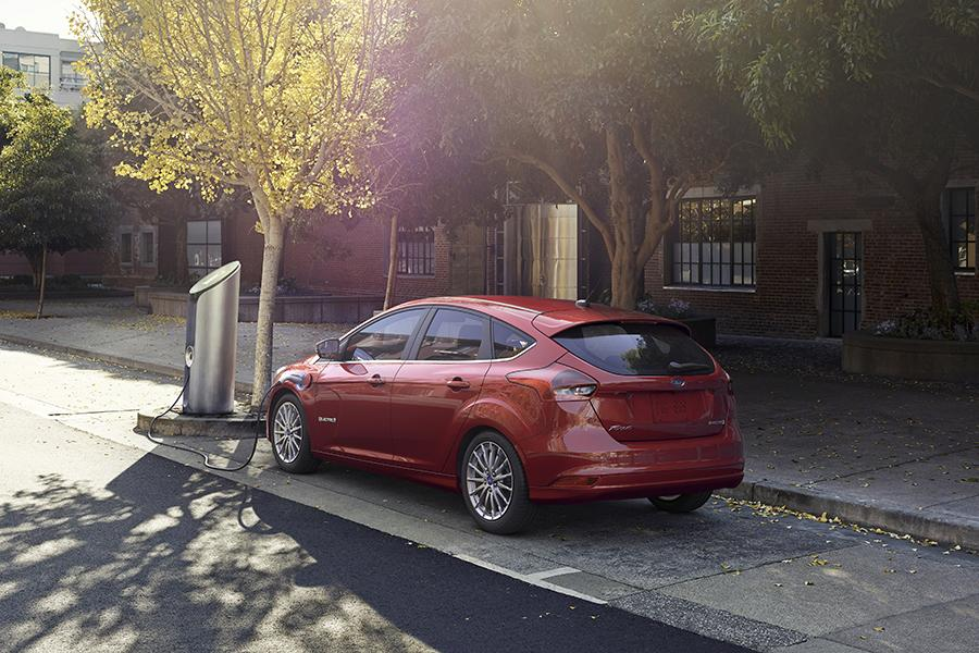 2015 Ford Focus Electric Photo 6 of 13