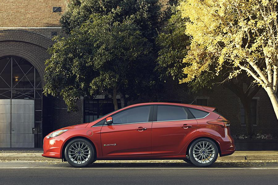 2015 ford focus electric reviews specs and prices. Black Bedroom Furniture Sets. Home Design Ideas