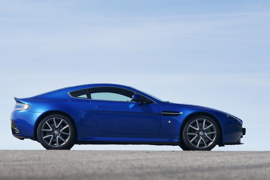 2015 Aston Martin V8 Vantage Overview | Cars.com