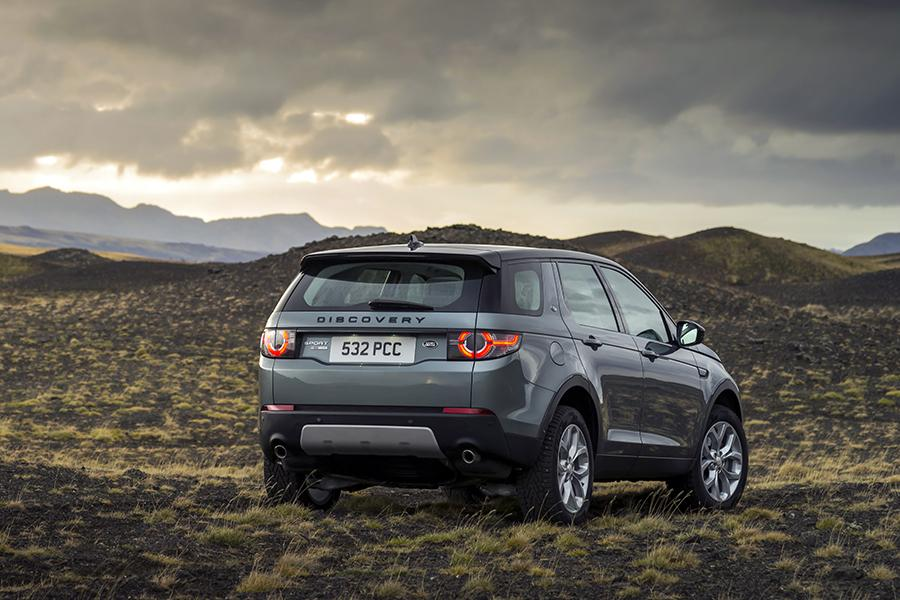 2015 land rover discovery sport reviews specs and prices. Black Bedroom Furniture Sets. Home Design Ideas