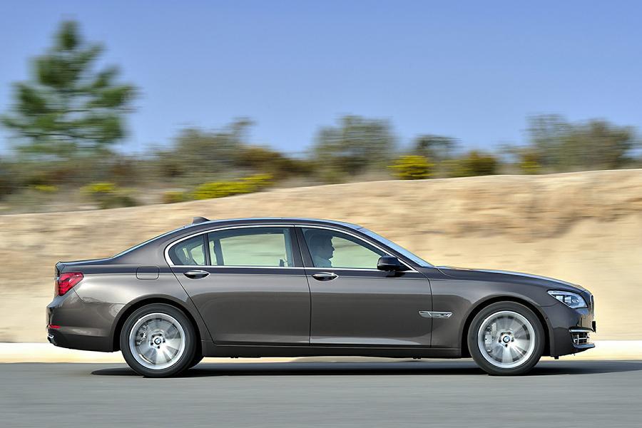 2015 BMW 750 Photo 6 Of 12