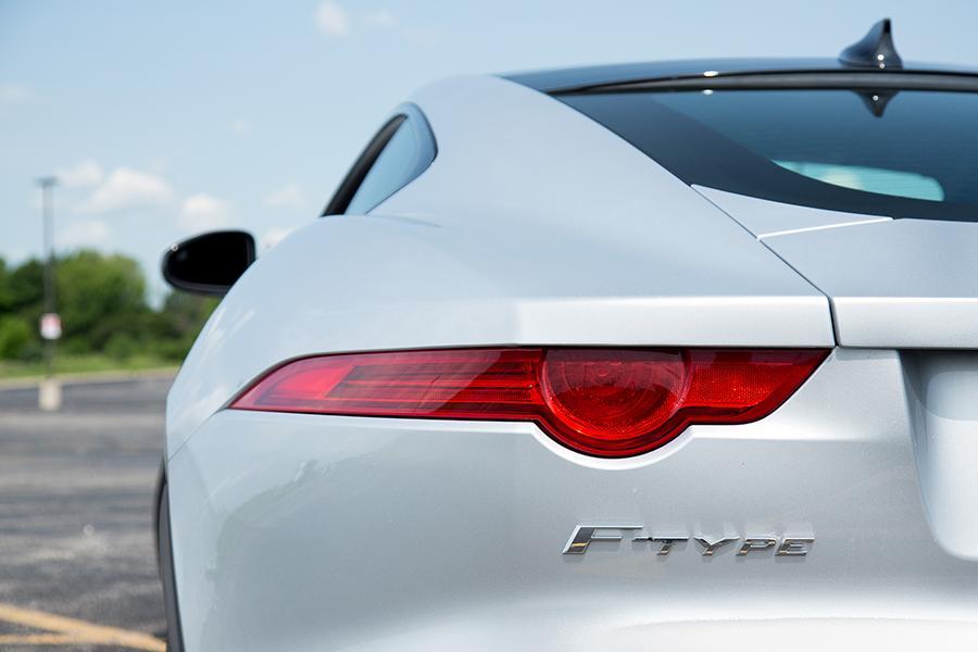 2015 Jaguar F-TYPE Photo 3 of 22
