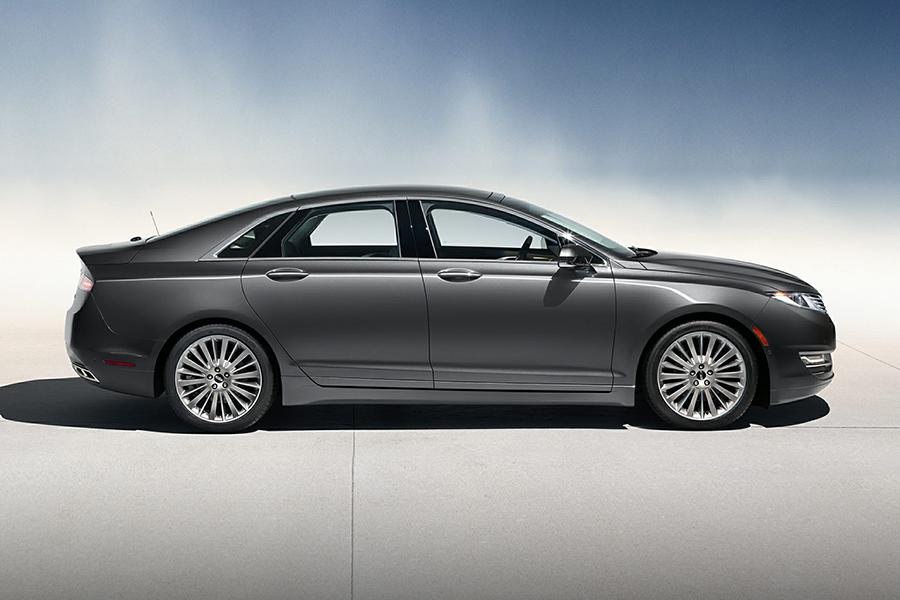 2015 Lincoln MKZ Photo 4 of 19