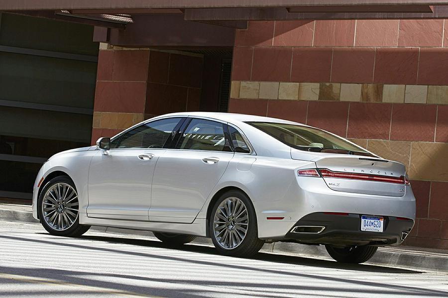 2015 Lincoln MKZ Hybrid Photo 6 of 17