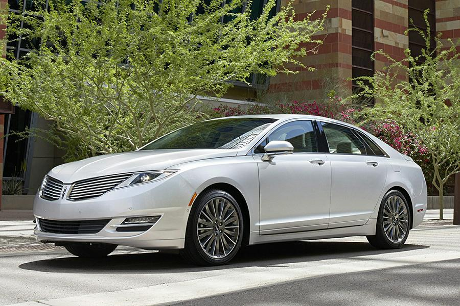 2015 Lincoln MKZ Hybrid Photo 1 of 17