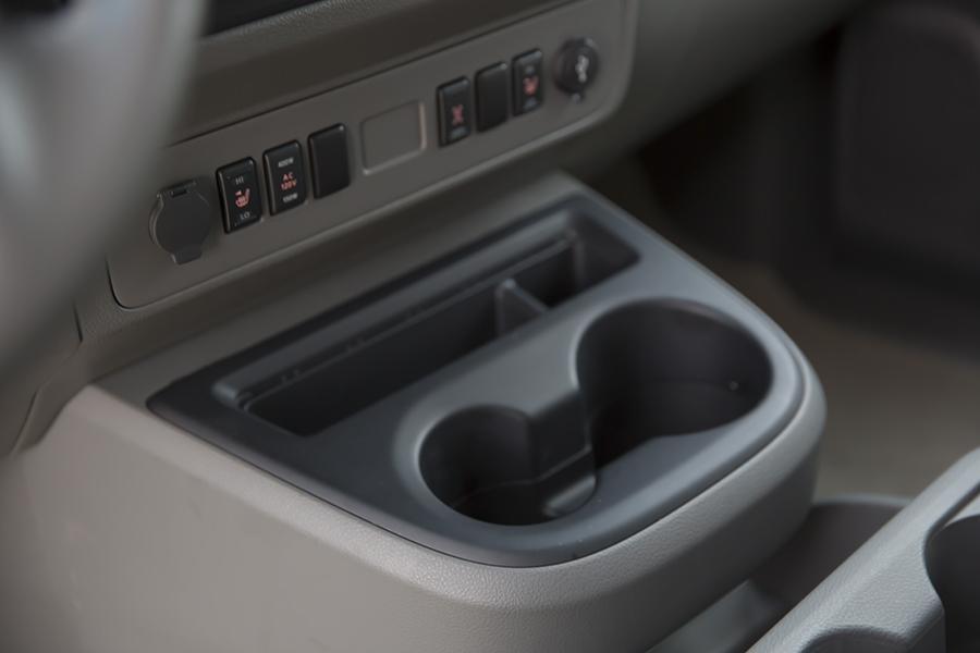 12 Passenger Van Rental Chicago >> 2015 Nissan NV Passenger NV3500 HD Reviews, Specs and ...