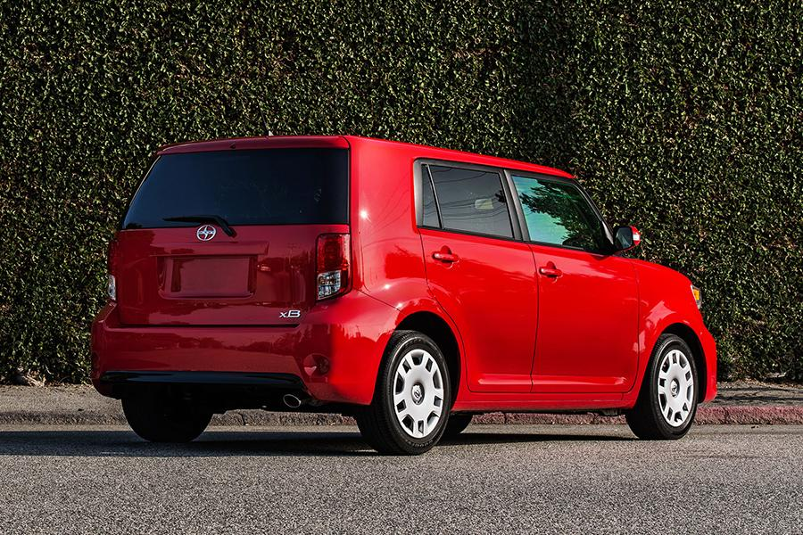 2015 scion xb overview. Black Bedroom Furniture Sets. Home Design Ideas