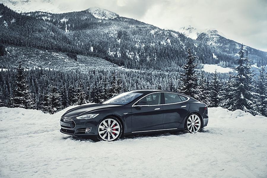 2015 Tesla Model S Photo 1 of 19