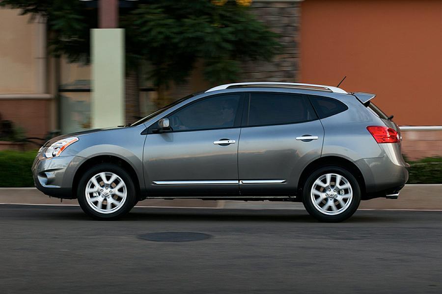 2015 Nissan Rogue Select Photo 3 of 15