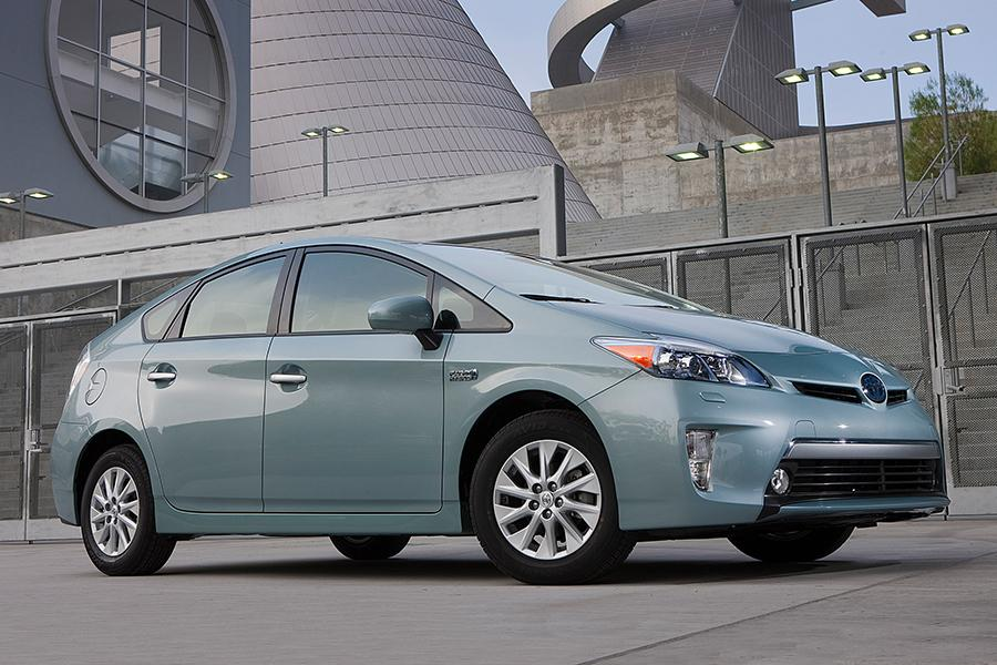 2015 toyota prius plug in reviews specs and prices. Black Bedroom Furniture Sets. Home Design Ideas