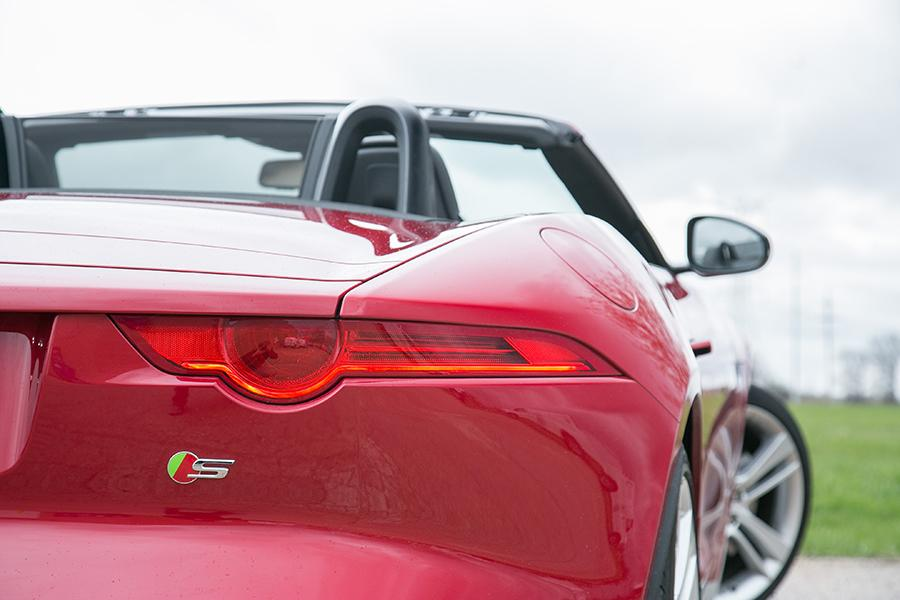 2014 Jaguar F-TYPE Photo 2 of 25